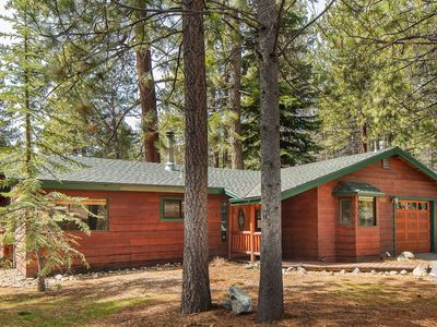 Photo for Perfect Tahoe Cabin - Pet and family friendly near best beaches & Ski Resorts