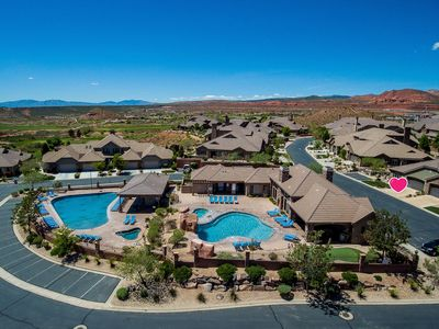 Photo for Coral Ridge Retreat 1! Right Across the Street from Pools! Discount on Golf