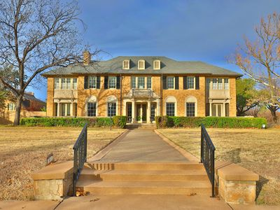 Photo for Historic & Luxurious Fulwiler House near Downtown Abilene