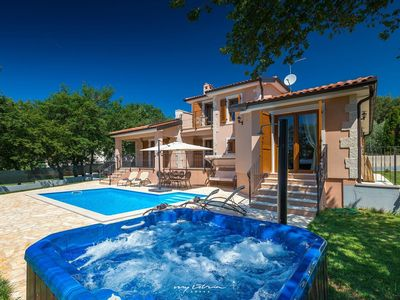 Photo for Charming villa with a private pool near Porec