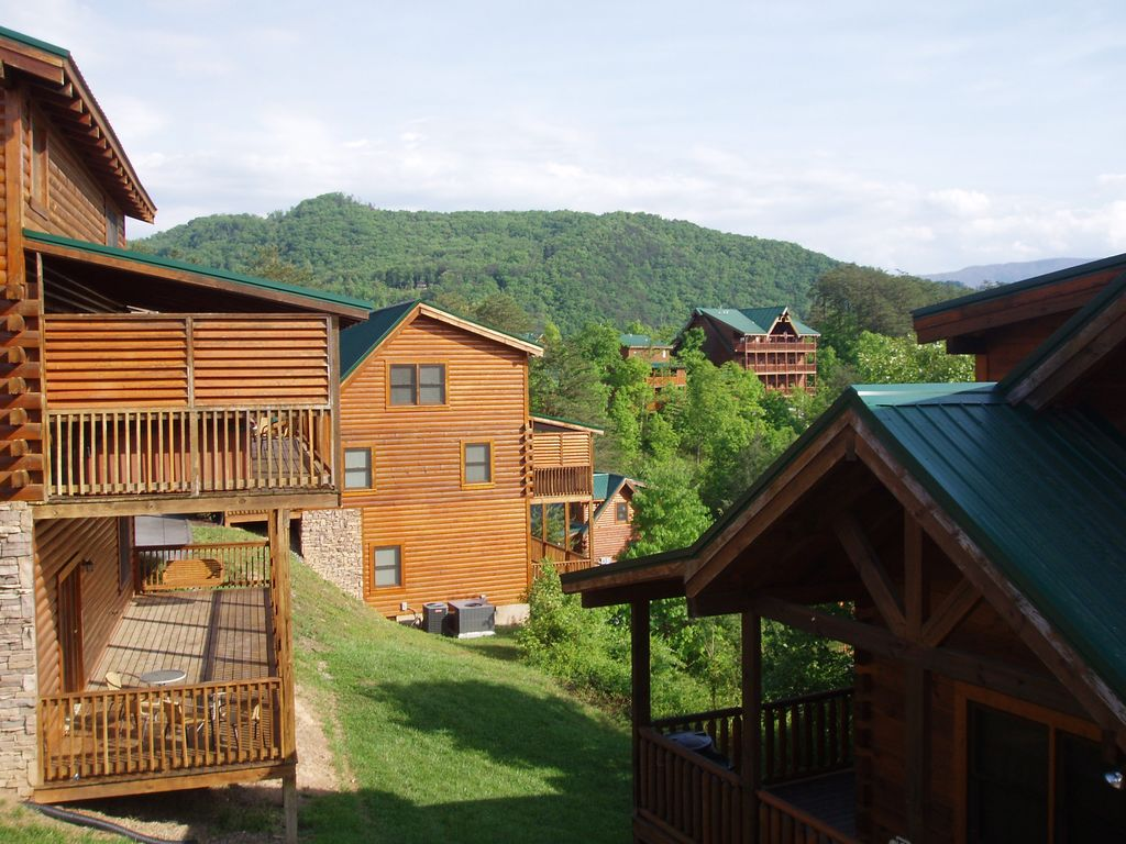 Papa Bear Lodge 6 Br 6 Ba Close To All Attractions