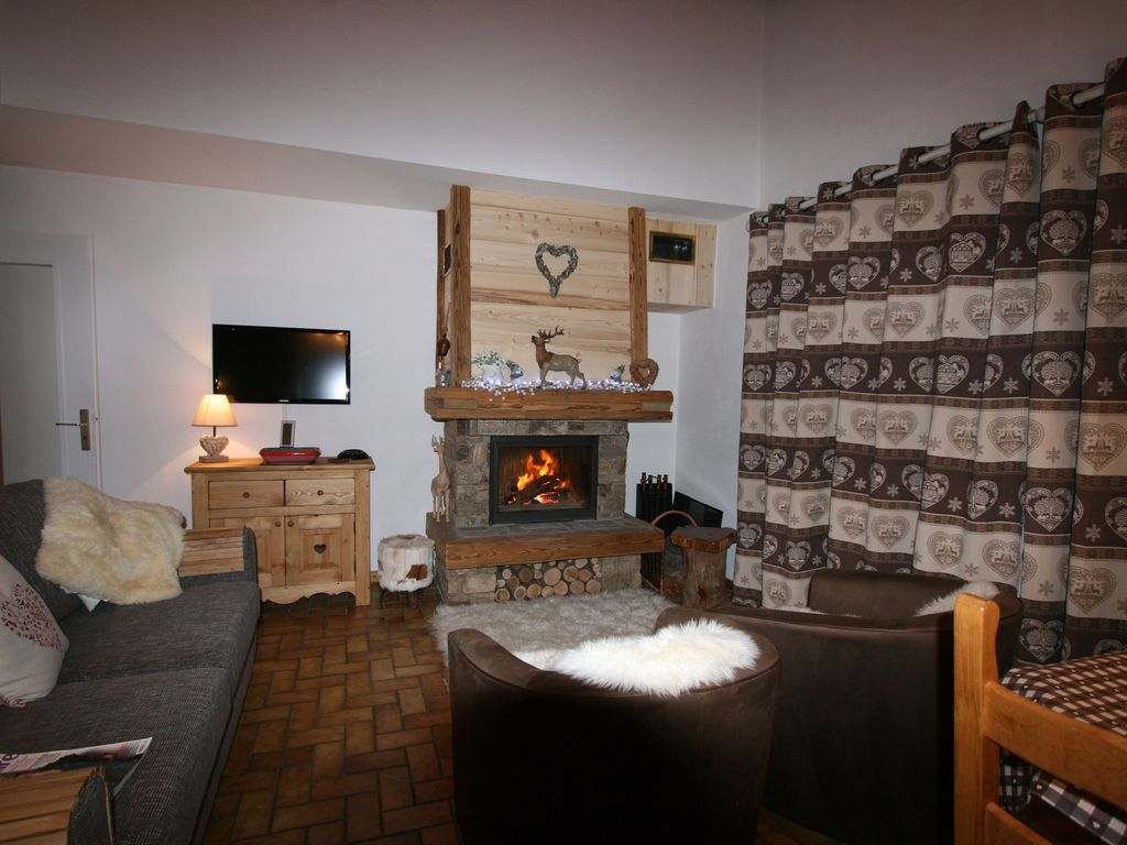 les roches rouge comfy cosy alpine style apartment with