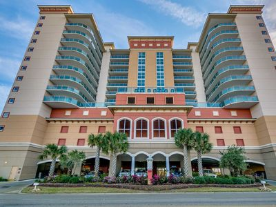 Photo for Bahama Sands 704, 3 Bedroom Beachfront Condo, Hot Tub and Free Wi-Fi!