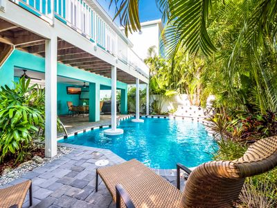 Tipsy Turtle: Heated Pool w/Tropical Landscaping, Only 2 Houses to Gulf Beach!