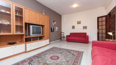 Photo for Spacious Gozzi 714 apartment in Centro Storico with WiFi & air conditioning.