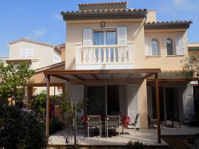 Photo for Modern triplex semi-detached house 800m from the sea with garden, BBQ, wifi
