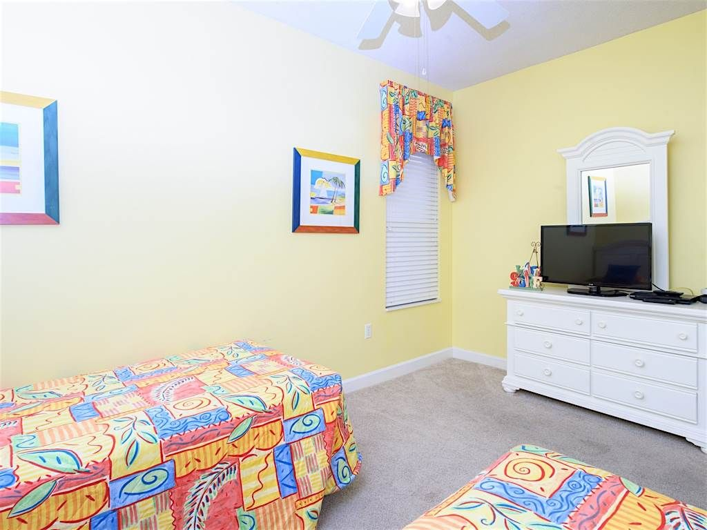 COZY living unit with all the AMENITIES from home!! FREE Beach Service!