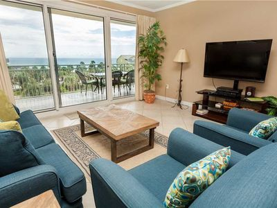 Photo for Coastal And Cozy Design In This 4th Floor Unit With Beautifully Updated Kitchen