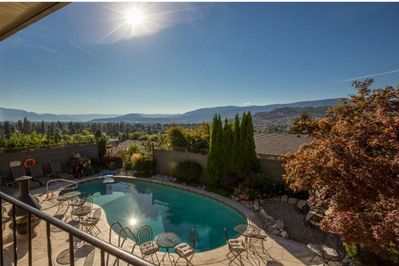 Regal View Jacuzzi Suite has stunning views of the lake, city, mountains and golf course.