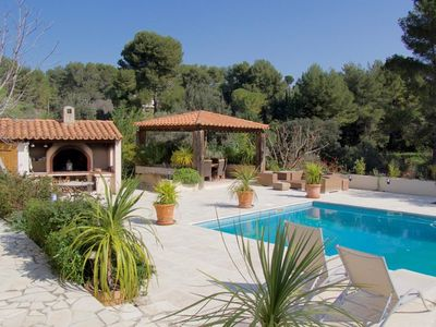 Photo for 6BR Villa Vacation Rental in AUBAGNE