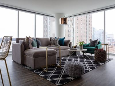 Photo for Stunning 3BR/2Bath Apt in South Loop by Domio
