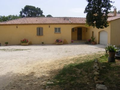Photo for Provencal villa ground floor of 170 m2, near the Luberon and the Pays d'Aix