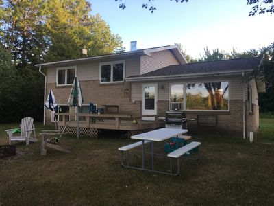 Waterfront home (on Sugar Island) with Pontoon May-September!