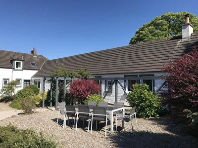 Photo for Luxury 4* 2 bed ensuite cottage, beautifully furnished, short walk to loch side