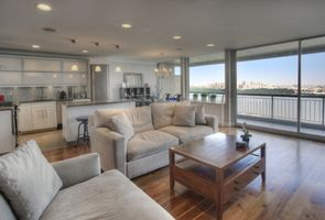 Photo for 1BR Apartment Vacation Rental in Fort Lee, New Jersey