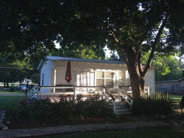 Lake Bruin Guest House