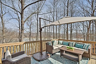 Enjoy the peace and quiet of nature on the comfortably furnished patio.