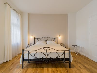 """Photo for Quiet and central apartment """"Adler"""" in Berlin on the Kurfürstendamm"""