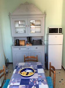Photo for Bright apartment, town center, garden and private parking on the ILE DE RE