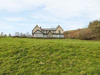 Photo for EAST WING, pet friendly, with hot tub in Llangunllo, Ref 969187