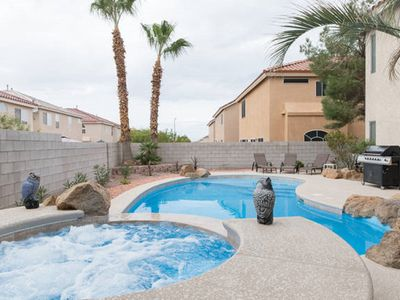 Las Vegas Home with Heated Pool & Spa! BBQ
