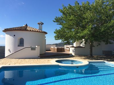 Photo for Beautiful villa 9 pers, swimming pool, splendid view of Palamos bay and hills