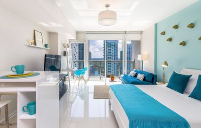 Photo for CENTRIC, CITY & RIVER VIEWS, W RESIDENCES, BUSINESS. FREE: POOL, SPA, GYM, WI-FI
