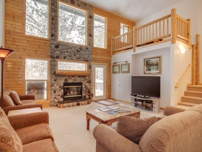 Photo for Dog-friendly cabin w/ private hot tub & shared pool, SHARC passes, and more!