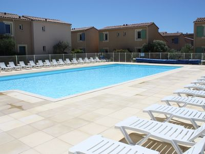 Photo for Nice cottage for 6 people with a large heated pool, Mouriès