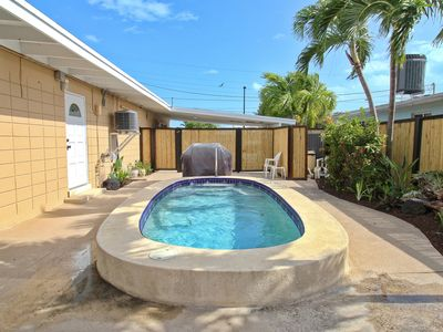 Photo for GREAT RATES! Pool, Dockage, Cabana Club on Coral Lane in Key Colony Beach!