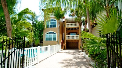 Photo for 5 minute walk to the beach/heated pool/free WiFi/great location/