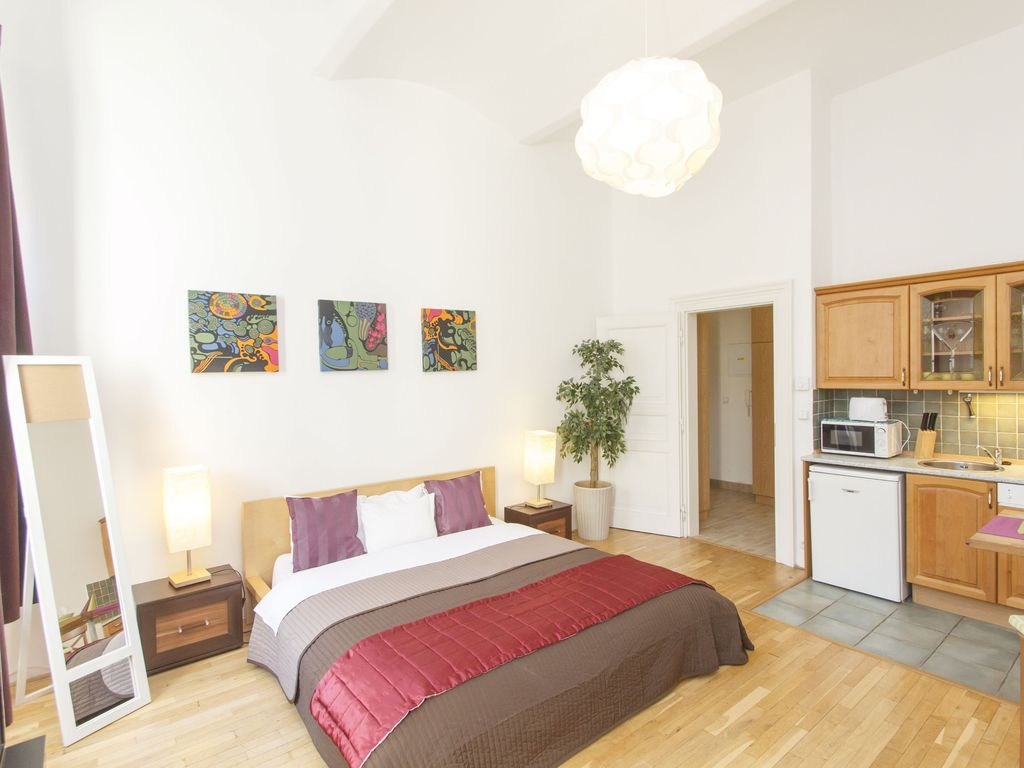Great centrally located studio apartment, close to Old Town and Wenceslas Square