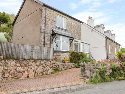 Photo for CARTREF MELUS, pet friendly, with open fire in Old Colwyn, Ref 991236