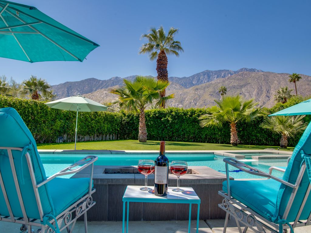 Run to the Sun  4 BR  4 BA House in Palm Springs  Sleeps 7. Run to the Sun  4 BR  4 BA House in Palm Springs       HomeAway