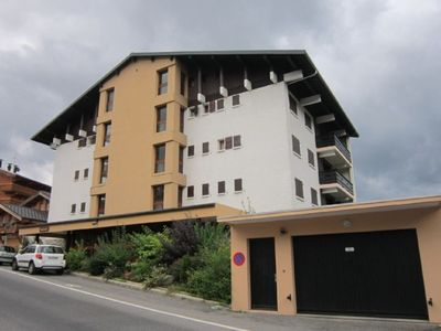 Photo for APARTMENT FOR RENT LES GETS - FIVE PIECES COMFORTABLE SPACIOUS - FIREPLACE - 8 PERS. - 300M SHOPS AND SKIING -