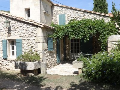 Photo for Charming house in the Alpilles