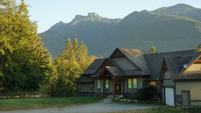 Photo for 8BR Lodge Vacation Rental in Chilliwack, BC