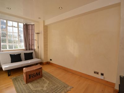 Photo for A Bright & Classical 1 Bedroom Apartment