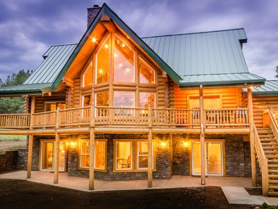 Photo for Luxury Log Home, Backs To Forest, 10 Min From Downtown