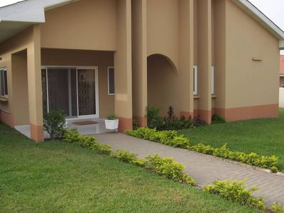 Avocado dreams!  Sparkling clean 3 bedroom house in safe gated community