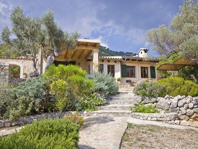 Photo for Rural villa with pool and a beautiful view over the hills and mountains.