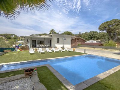 Photo for Catalunya Houses: Modern Villa in Les Comes for up to 9 people!