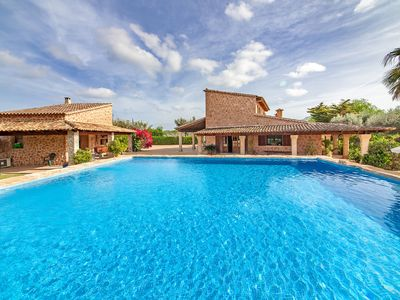 Photo for Spacious property with pool - Villa Comptesses Gran