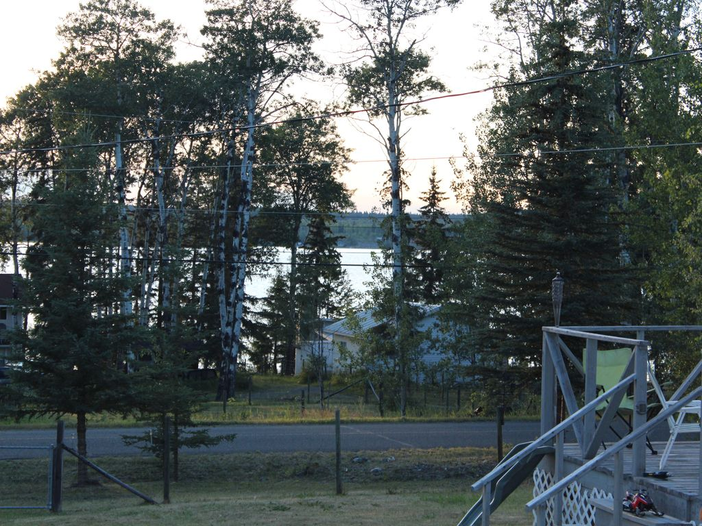 Escape From City Life To A Cabin On Beautiful Green Lake 70 Mile