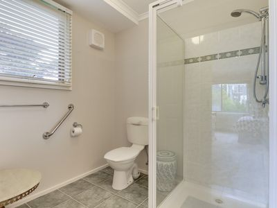 Photo for A 1 bedroom apartment has all the modern conveniences for a couple