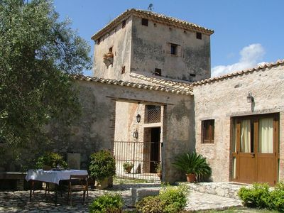 Photo for Holiday home on estate, surrounded by citrus and olive trees, 7km from the sea.