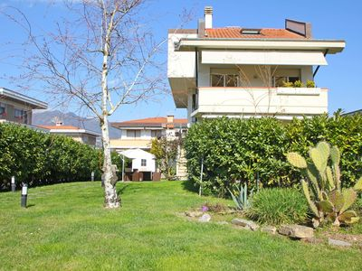 Photo for Franca - Apartment for 6 People with private garden, WIFI, A/C, 850 Meter from Sea