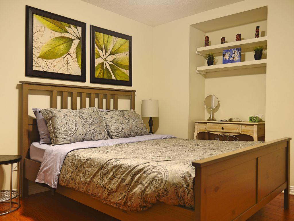 Unionville TooGoodStay Basement Apartment Private Entrance and Bathroom