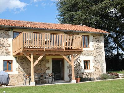 Photo for Beautiful former Haybarn divided into 2 independent gites with pool, sleeps 10