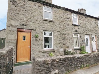 Photo for MINFFORDD, pet friendly, with open fire in Bala, Ref 954930